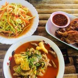นุชอุดร อาหารไทยอีสาน ซีฟู๊ด