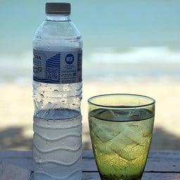 เพื่อสุขภาพครับ น้ำเปล่าดีที่สุด ^_^