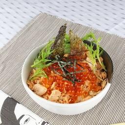 ข้าวหน้าปลาแซลมอน และไข่ปลาอิคุระ