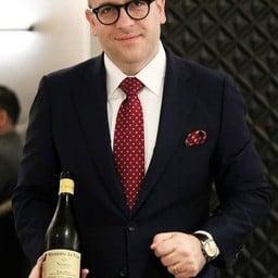 คัดเลือกไวน์โดย Sommelier ประจำร้าน 8½ Otto e Mezzo Bombana,Mr. Marino Braccu