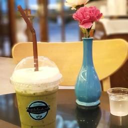Cafe Le Landmark