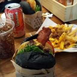 เมนูของร้าน Paper Butter & The Burger