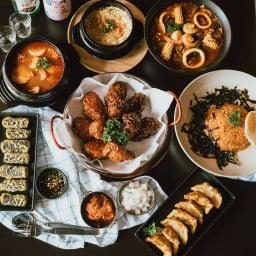 GAJA Korean Restaurant หลังตึกเอ็มไพร์