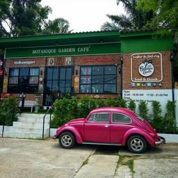 Cafe Botanique Garden