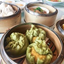 ซาลาเปาชาเขียวไส้ครีม