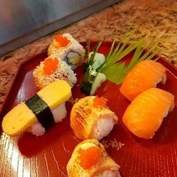 Retro Sushi Bar อาหารญี่ปุ่น ซูชิ ไม่มีสาขา