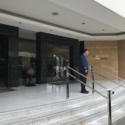 ริเวอร์ไซด์ กริลล์ โรงแรม รอยัล ออคิด เชอราตัน