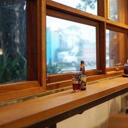 ที่ร้านมีคราฟท์เบียร์ทั้งสดและขวด มากมายหลากหลายชนิดให้เลือกดื่ม