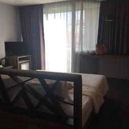 โรงแรมครอสทูไวบ์ เชียงใหม่ ดีเซม