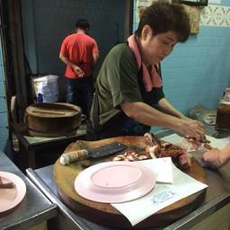 บรรยากาศ ข้าวหมูแดง นายฮุย (นาครสนุก) เยาวราช