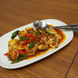 Laemcharoen Seafood เซ็นทรัล ภูเก็ต ฟลอเรสต้า