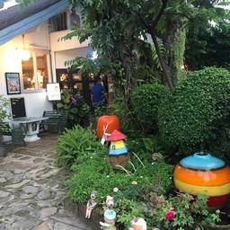 หน้าร้าน บ้านพี่เล็ก เฉลิมพระเกียรติ ร.9 ซอย 9