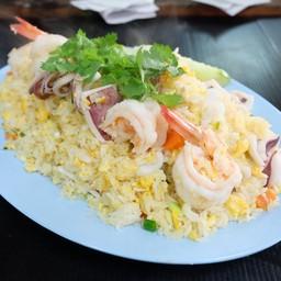 ข้าวผัดทะเล