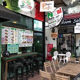 หน้าร้าน Panini MAFIA  ทองหล่อ 13