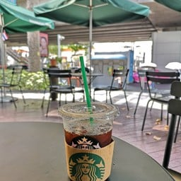 หน้าร้าน Starbucks ลา วิลล่า พหลโยธิน