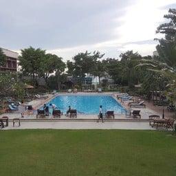 Basaya Beach Hotel & Resort