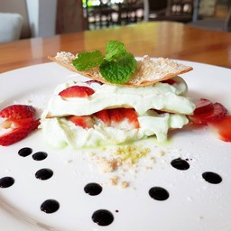 Pandanus Mille Feuille With Fresh Strawberry