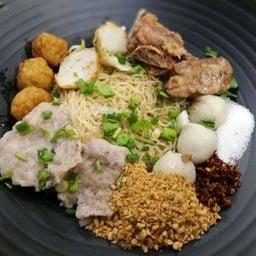 เย็นตาโฟ Wawa Noodle ถนนคอนแวนต์