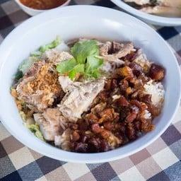 เจ๊ตุ้มข้าวต้มปลาเมืองชลทาวน์อินทาวน์