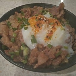 ข้าวหน้าหมูเกาหลี