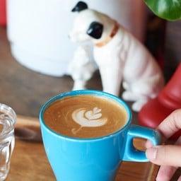 Us Cafe&Friends Suphanburi