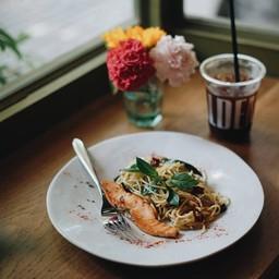 Smoked salmon spaghetti With Dry Chilli And Garlic##1