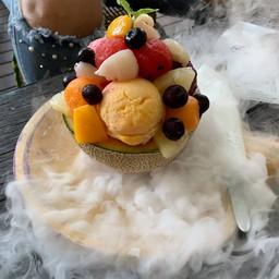 หอม ไอศกรีมมะม่วงอร่อยมากกกกกกก มีเนื้อมะม่วงอยู่ด้วย ทานแล้วสดชื่น อันนี้แนะนำ