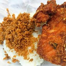 ไก่ทอดบังหมาน  สามกอง