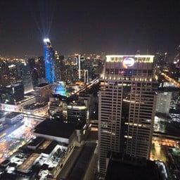 บรรยากาศ Red Sky Centara Grand at Central World