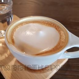 เหมือนจะฟองนมเยอะ กาแฟแอบจางๆ