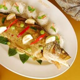 ปลากะพงทอดแกงเขียวหวาน