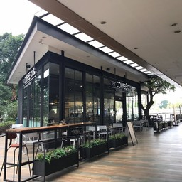 หน้าร้าน The Coffee Club River City
