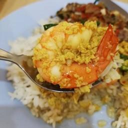 ข้าวแกงพุงแตก ซีฟู๊ดริมน้ำ จันทบุรี