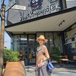 หน้าร้าน Black Monster Cafe' Hua-hin Huahin