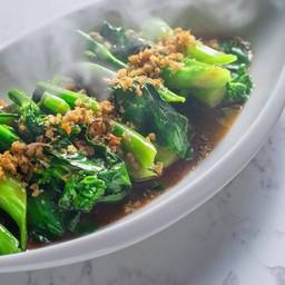 คะน้าฮ่องกง (Chinese Kale With Oyster Sauce)  ราคา 99 บาท