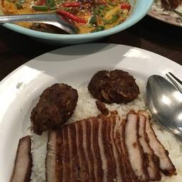ข้าวหมูทอดอร่อยมาก หมูทอดบ้านแขก สี่แยกบ้านแขก