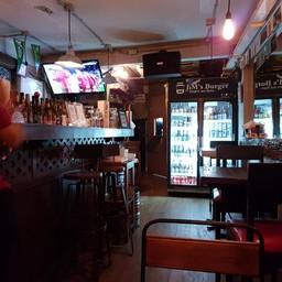 บรรยากาศ Jim's Burger & Beer อารีย์