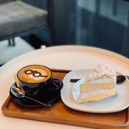 Le Corbuccino & Coconut Cake