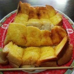 ขนมปังปิ้ง เนย+น้ำตาล