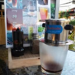ว่างๆหน่อยมานั่งรอกาแฟจากฟินกาแฟ #ห่อมๆ กัน