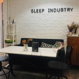 บรรยากาศ Sleep Industry Bed & Coffee