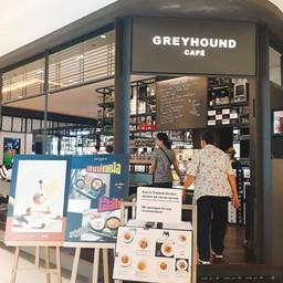 หน้าร้าน Greyhound café เซ็นทรัล ชิดลม