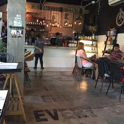 บรรยากาศ RowHou8e Cafe' HuaHin106