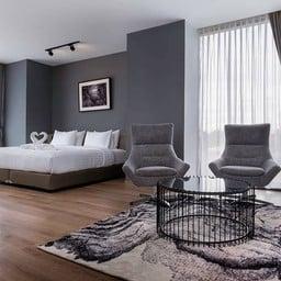 R Photo Hotel