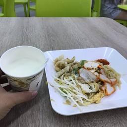เจ๊ม่วย ผัดไทย ตลาดเพชรไพบูลย์