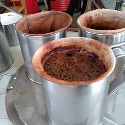 กาแฟอาม่า  ตลาดสามชุก