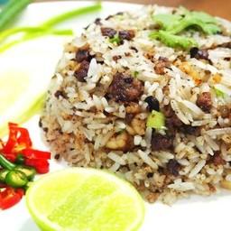 แนวจีนๆ ข้าวผัดกับหนำเลี๊ยบจีนแท้ ผสมกับกุ้งสับละเอียด กินแล้วเข้าเนื้อข้าว