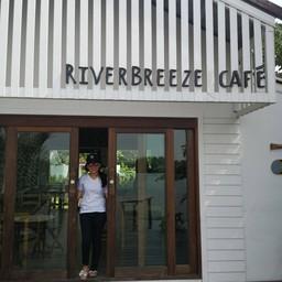 บรรยากาศ RiverBreeze Cafe