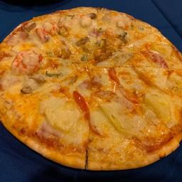 koh lanta pizzeria ถนนจักรพงษ์