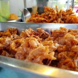 ไก่ทอด อาบัง  BTS กรุงธนบุรี